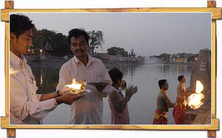 Evening Aarti at Ramghat