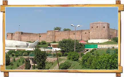 Bag-e-Bahu Fort and Garden