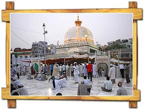 Devotees at Dargah Sherif Ajmer