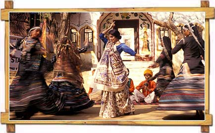 The Mesmerising Traditional Ghoomar Dance