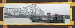 Ship near Hawra Bridge , Kolkata