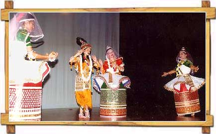Portraying The Love Story of Radha And Sri Krishna In Manipuri Dance