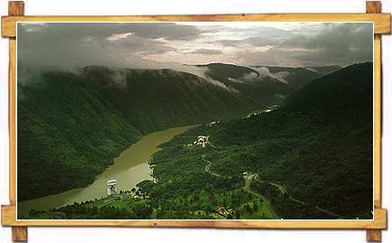 A Picture Postcard View of The Honeymoon Hills of Meghalaya