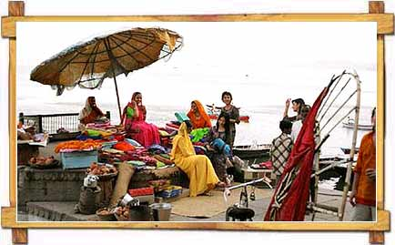 Ladies enjoying their evening at the Ganga Ghat